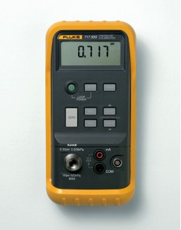 FLUKE 717 Calibrateur de pression 3000GFLUKE 717 Calibrateur de pression 3000GFLUKE 717 Calibrateur de pression 3000G